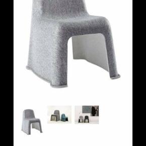 Super fin & velholdt HAY stol  - dog er den lettere filtret da stolen er med filt.  Det kan fjernes med en elektriske fnugmaskine. Er så fin & uden pletter, skader osv.