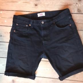 Levi's shorts. Afskåret buks. W30. Rimelig fresh.