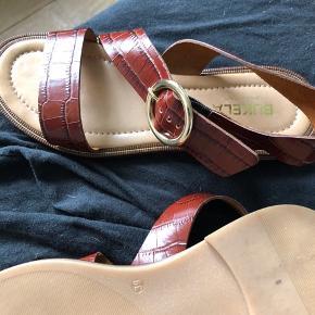 Helt nye lækre sandaler