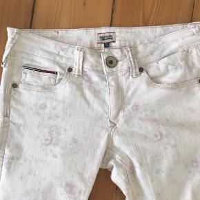 Super flotte jeans, brugt få gange - er en str 30/32. Fra ikke rygerhjem