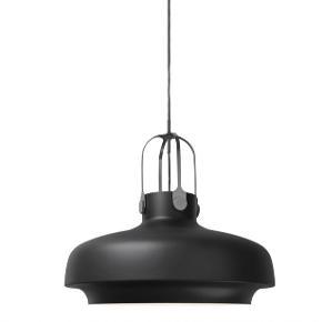2 stk Copenhagen Pendant SC8 Mat Black  Ø: 54cm, H:60cm Begge lamper er nye, den ene har dog hængt i udstilling. Nypris pr. stk 4995kr Sælges for 3000kr pr. stk
