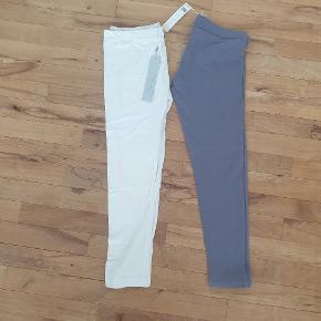 1 stk hvid samt 1 stk gråblå sommer leggings (=2stk) i 7/8 del længde.   Bemærk: ved køb af tøj fra mine annoncer er pris som følgende.  1-2 stk tøj: 60 kr pr. Stk pp. 3-4 stk tøj: 50 kr pr. Stk pp +5 stk tøj: 40 kr pr. Stk pp + 10 stk tøj: gratis fragt.