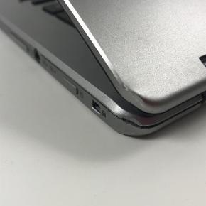 Brand: Chrome Varetype: Laptop Størrelse: 13 tommer Farve: Sølv Oprindelig købspris: 3700 kr. Prisen angivet er inklusiv forsendelse.  Rigtig fin computer. Fin stand.  Den virker fint bortset fra touch skærmen, som ikke virker. Nypris: 3700 kr Mp: Er gået fra 1900, ned til 1100kr.  Den har en fed sølv farve, og er en 13 tommers. Købte den for ca. 1/2 år siden.  Mere info, kontakt mig.