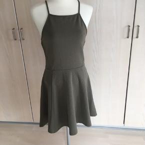 Fin kort kjole.