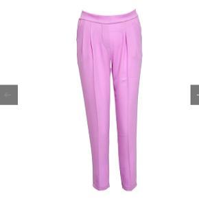Noella bukser i str M/38 sælges, de er brugt 1 gang.  Bytter ikke!