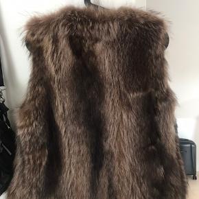 Vaskebjørne-pels. Smuk. Super stand.