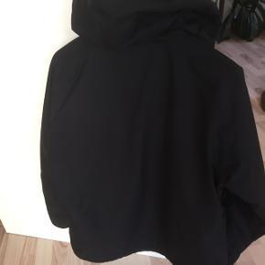 Dejlig jakke fra tenson str 44 nedsat Kom evt med et seriøst bud  Har en meget lille ikke særlig tydelig plet bag på ene ærme