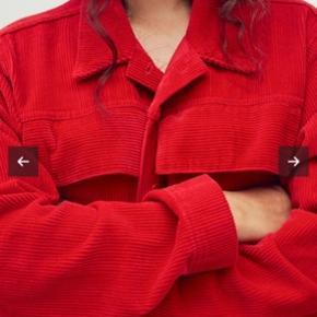 Sælger denne jakke fra Mads Nørgaard da jeg ikke får den brugt, den fejler dermed ikke noget
