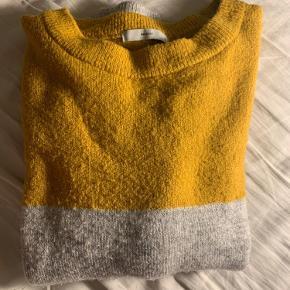 Pigalle Paris sweater