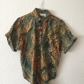 Mega fed vintage skjorte / t-shirt i jungleprint / Palmeprint