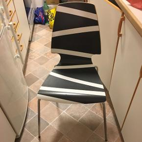 4 stole til salg - 150 pr stk.