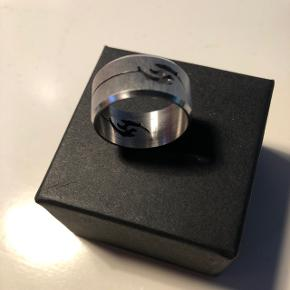 Ring med dragemotiv Diameter: 17 mm