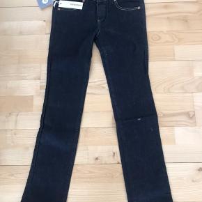Helt nye DIESEL jeans str 24. Købt på lagersalg til 600,-