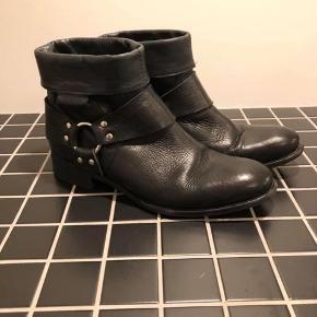 str 40 men en 41 kan også godt passe dem lidt alla en cowboystøvle læder  #Secondchancesummer