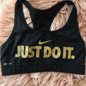 Fed sports-bh fra Nike 💛🤩 i super stand !