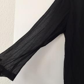 Sort kjole fra samsøe med lynlås i ryggen ❤️