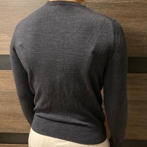 Mørkegrå /sort uld tynd sweater
