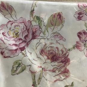 Dug 140x180 cm. design Prudence rose i primrose.