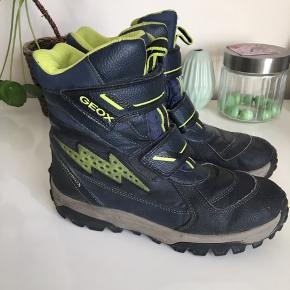 Super lækre letvægts støvler. Kan snildt klare en vinter eller flere 😊