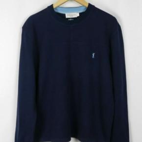 Saint Laurent sweatshirt i mørkeblå i rigtig god con :-)   Kan bruges af begge køn, tjek min side for flere lignende varer