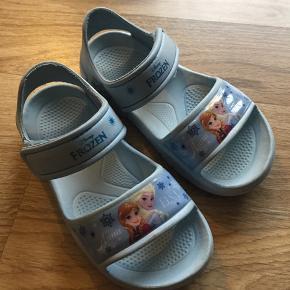 Fine bade sandaler købt i deichmann. Str 29.