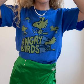 Vintage Peanuts Snoopy cute Angry Birds Blue tshirt in very good condition
