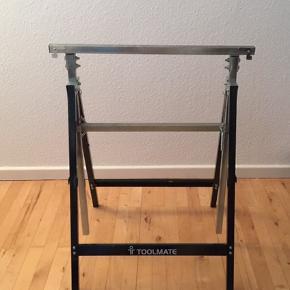 Metalbuk justerbar Toolmate Højde ca. 79 - 130 cm Brede ca. 68 cm Max 150 kg belastning I pæn stand 60 kr. (nypris 329 kr.) Sendes ikke. Afhentes i Aarhus C