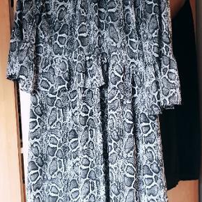 Flot kjole fra Resumè - brugt få gange, 499 fra ny ☺