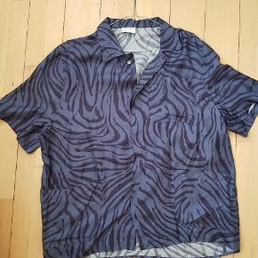 Silke 100% Zebra  Mand størrelse L, jeg er størrelse s