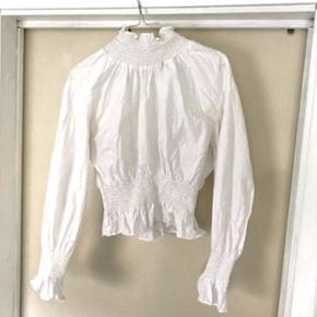 Feminin skjorte fra H&M trendStr. M