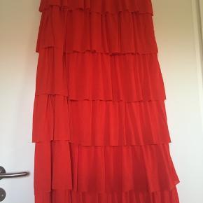 Orange/rød nederdel - aldrig brugt