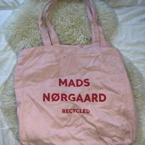 Mads Nørgaard skuldertaske