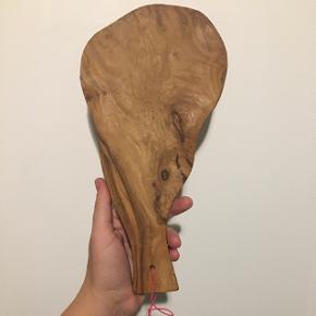 2 stk super fede skærebrætter - kan bruges til servering af tapas eller anretning af krydderier - købt i Marokko - har aldrig været brugt