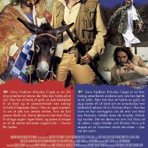 0342 🎁 Army of One (Nicolas Cage) (DVD) Dansk Tekst - I FOLIE 🎁   Army of One Nicolas Cage kaster sig ud i det totale vanvid, som kun han kan, i denne film, der er delvist baseret på en sand historie.  Gary Faulkner (Nicolas Cage) er en arbejdsløs handyman, der en dag får besøg af Gud (øh, spillet af Russell Brand?!), der giver ham til opgave at fange Osama Bin Laden. Bevæbnet med kun et sværd (købt via TV-shoppen) tager Gary til Pakistan for at finde den notoriske terrorist. Undervejs møder han mange spændende mennesker, som han bliver venner med. Gary møder også agenter fra CIA, som han bliver knapt så gode venner med. Af en aller den grund synes de ikke, at hans mission virker som en god ide?!