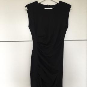 Fineste draperet kjole fra Topshop. Brugt én gang :-)