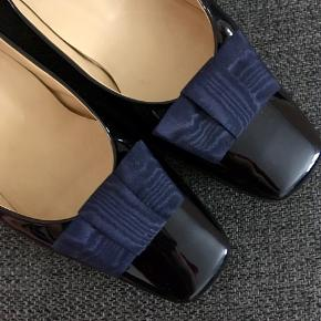 Brunate lak heels, kun brugt 2 gange