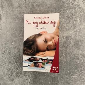 Spændende romantik- og ungdomsbog P.S jeg elsker dig. En fangende fortælling, som også er blevet filmatiseret, under filmen med samme navn. Læst en enkelt gang, og er ellers i fin stand.  Prisen er fast☀️ Du køber som beset, og jeg tager ikke retur☀️