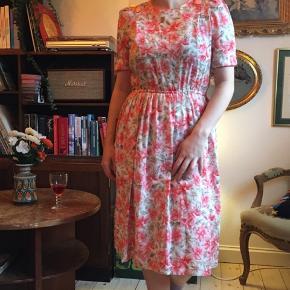 Smuk vintagekjole 🌸