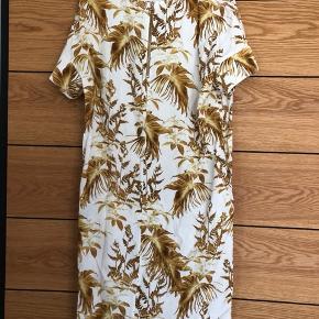Kjole fra Mos Mosh i perfekt stand.
