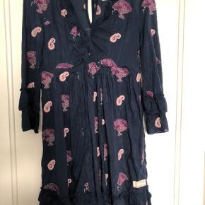 Smuk Odd Molly kjole i bomuld og silke
