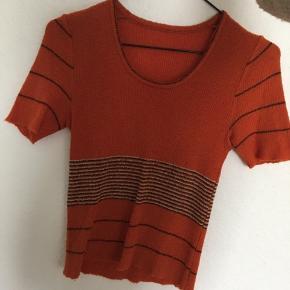 Vintage strik t-shirt!!! Ingen som den 🧡