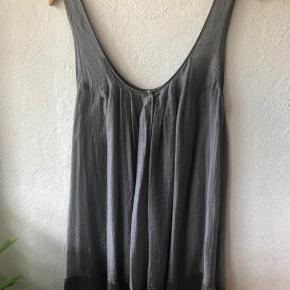 Den smukkeste tunika/ top fra Malene Birger i silke  Kan bruges af en 34-40