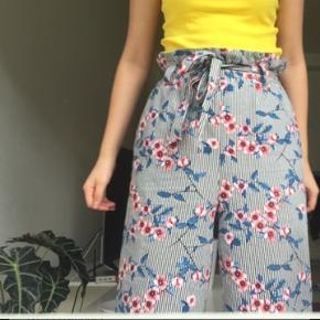 Søde bukser brugt højst 3 gange, fejler intet.  Byd nyd Byd Bytter også