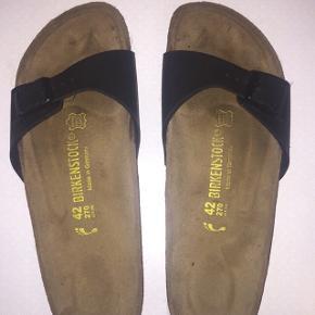 Birkenstock sandal i modellen madridBrugte men stadig i fin stand De er mest brugt med strømper   Prisen kan ændres, så byd endelig