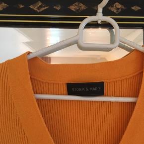 Sælger den udsolgte Storm og Marie trøje i en medium🧡