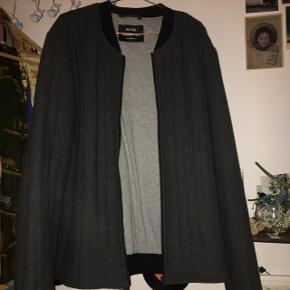 Super flot herre jakke, fra Mads Nørgaard. Næsten aldrig brugt