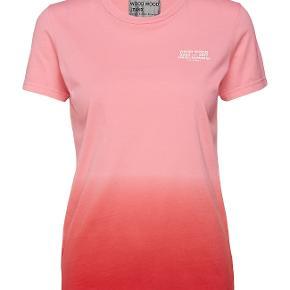 Helt ny. prismærket 500kr. spar 105 kr. Farve: Pink 11732507-2121 Fotomodellen er 172cm og bær S
