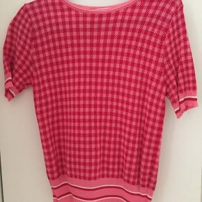 Sælger denne mega Nice trøje i størrelse small. Den er brugt få gange og ingen tegn på slid😊 Mp: 70kr  BYD