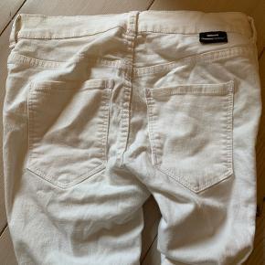 Fine hvide Plenty bukser i hvid. Kun prøvet på
