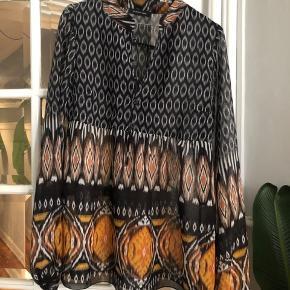 Smukkeste skjorte fra Patrizia Pepe Brugt meget få gange